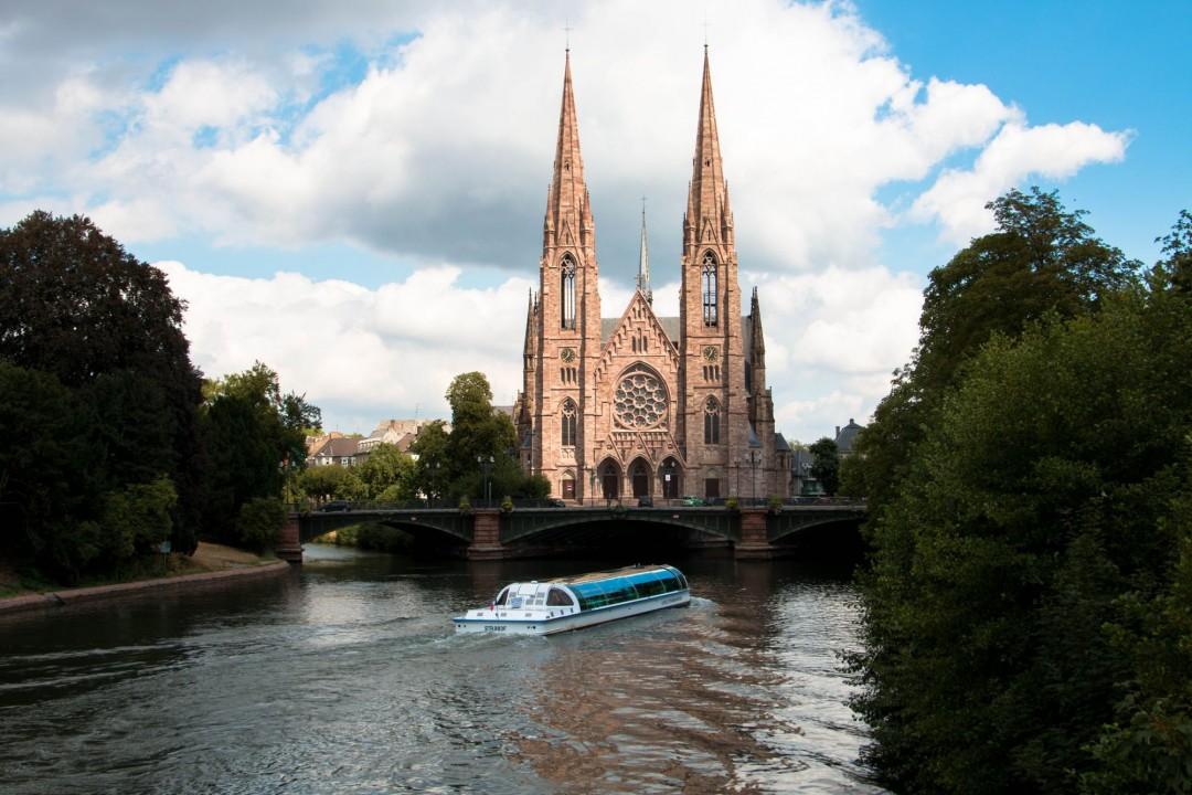 Экскурсия на речном трамвайчике по каналам Страсбурга