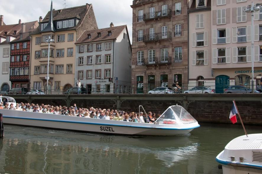 Экскурсия на речном трамвайчике в Страсбурге